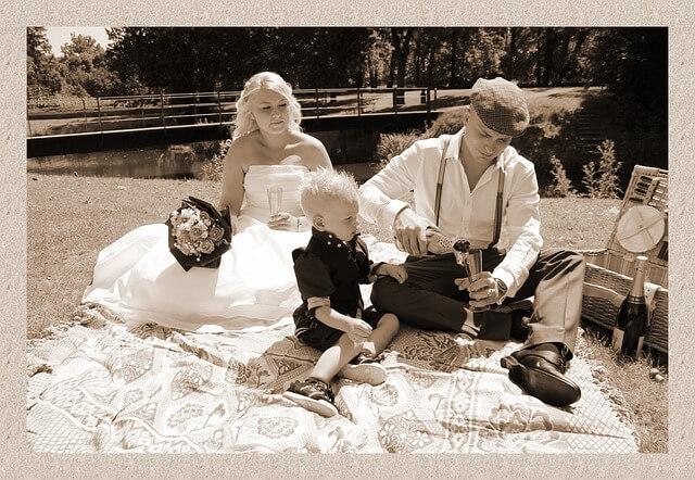 Divierte a los niños en tu boda con el alquiler de un fotomatón