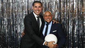 Roberto Carlos y Hierro en fotomatón premios FIFA The Best
